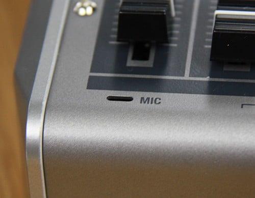Roland VR-3 内蔵マイク