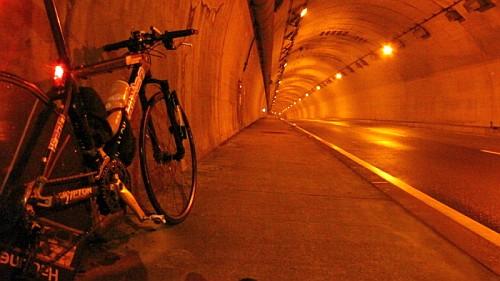自転車の旅は過酷だ