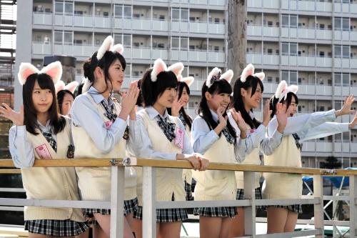 MNB48登場