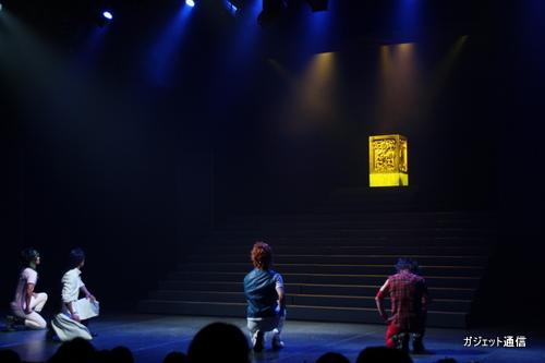 舞台上に輝くのは……
