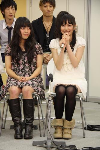 コンコンさん(左)と斎藤明里さん(右)