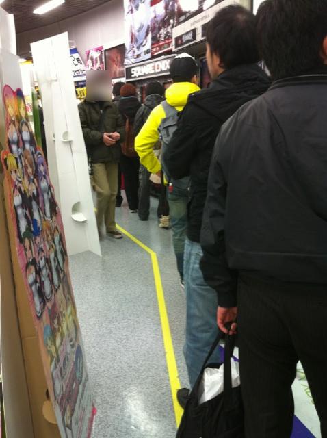 ゲーム売り場を周回するほどの列