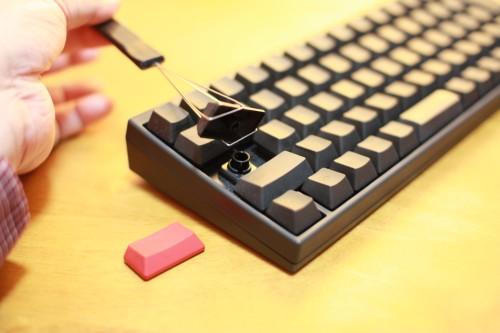 元のキーボードをはずしたところ
