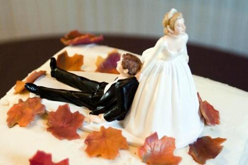 プロポーズされなかった女性8割は「プロポーズされたかった」と回答
