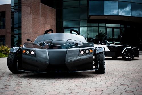 世界一速い三輪電気自動車『TORQ Roadster』が4月に登場