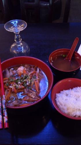 おフランスのおパリでエセ日本食を食う