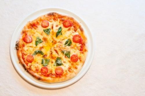 日本のピザはどれだけ高いのか?世界のピザ価格調査
