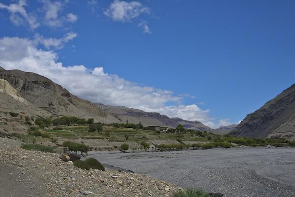 テリ村の泉