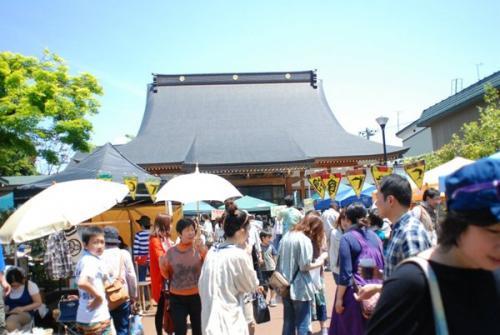 境内に60店舗! 老若男女でにぎわうエコマーケット『極楽パンチ2012』レポート(前編)