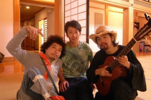 七尾旅人×U-zhaanにちょっぴりインタビュー!『極楽パンチ2012』レポート(後編)