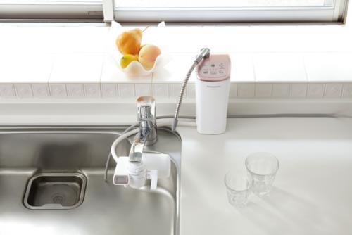 おいしいアルカリイオン水で体の中からキレイに。パナソニック「アルカリイオン整水器」を2名様にプレゼント