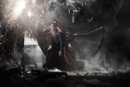 """74年の歴史を覆す新たな""""スーパーマン""""像!『マン・オブ・スティール』ポスター画像&異例の特報2種一斉解禁"""