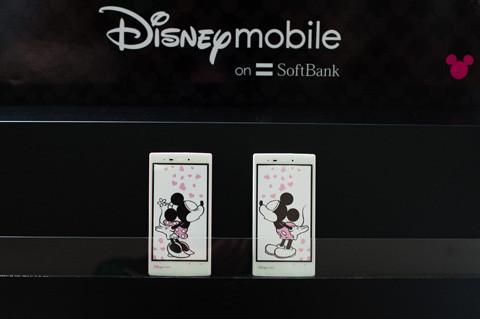 ミッキーとミニーがコンセプトのSoftBank 4G対応ハイスペックスマホ!ディズニー・モバイル・オン・ソフトバンク「DM014SH」を写真でチェック【レポート】