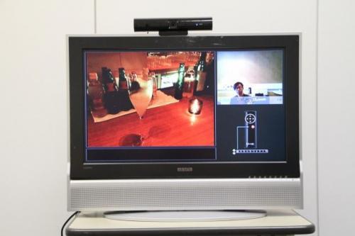 留守宅のペットや子供の様子が確認できる!「telyHD」がテレビをSkype化 – 活用編