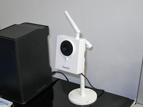 スマホでカメラの映像をチェック!有線LANでも無線LANでもOKなネットワークカメラ
