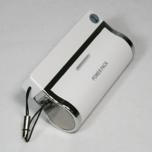ケーブル不要でiPhone 5を充電できる!Lightningコネクター付きモバイルバッテリー【イケショップのレア物】