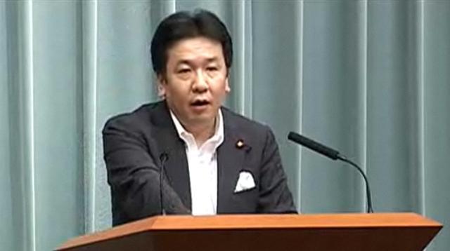 七尾記者が代読した大学生の質問に答える枝野長官
