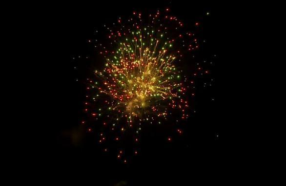 花巻の夜空に打ち上がった花火