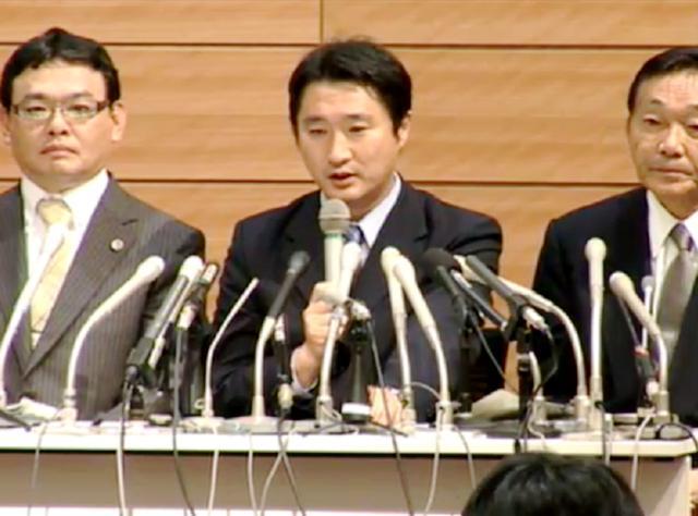 石川知裕衆議院議員(中央)