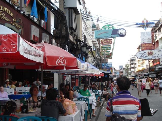 一見、いつもと変わらぬバンコクの風景