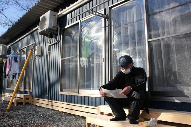 南相馬市の公園内に作られた仮設住宅。1世帯あたり4畳半2部屋。