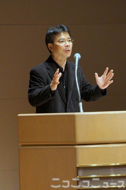 「脱原発世界会議」実行委員長の吉岡達也氏
