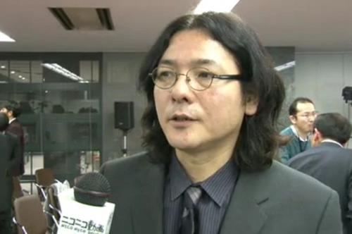 ニコ生のインタビューに応じる映画監督の岩井俊二さん