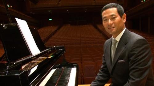 テレビCMでピアノ演奏を披露した桑田真澄さん