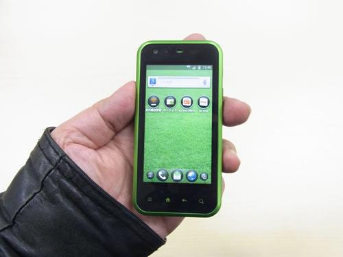 ハイエンドかつコンパクトなAndroid 2.2スマートフォン au『IS05』がお披露目