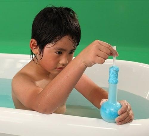 バンダイ おふろでじっけんくん第2弾『むくむくパチパチ入浴剤』イメージ写真