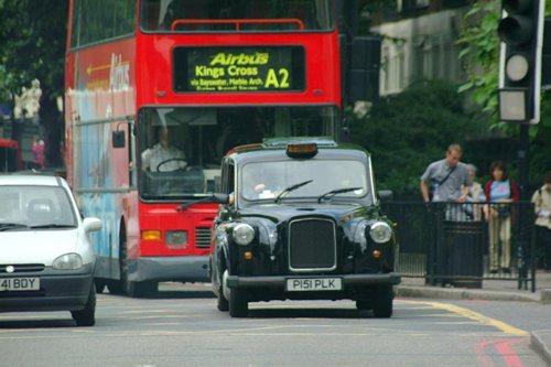 London Black Cab with dubble-decker