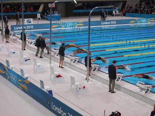男子100メートル背泳ぎ準決勝