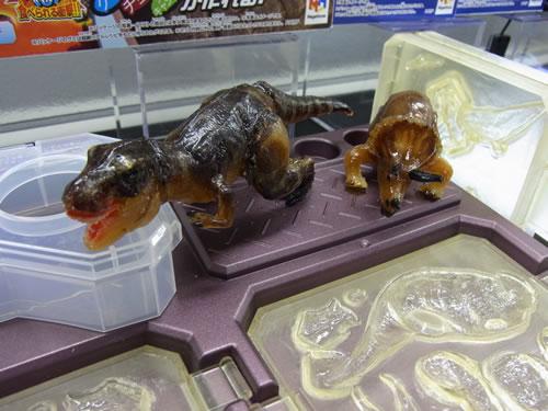 恐竜のグミが作れます