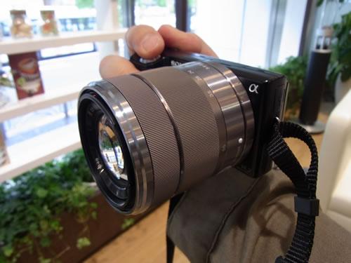ソニーが6月に発売するレンズ交換式デジタル一眼『NEX-5』