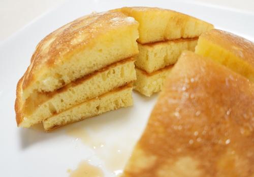 パティシエのパンケーキカット
