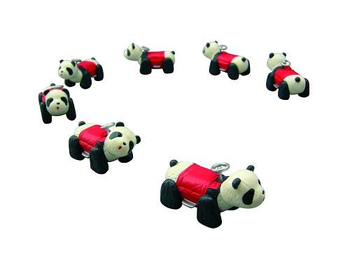 レトロなパンダカーを並べて積んで遊ぼう! 『パンダカーマニア』
