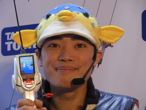 【TOYフォーラム2011】さかなクンも釣れた! ARモードも楽しめる体感釣りゲーム『バーチャルマスターズリアル』