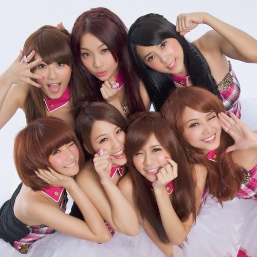「台湾のお天気お姉さん」からアイドルへ ついにデビューが決定したウェザーガールズに完全密着!