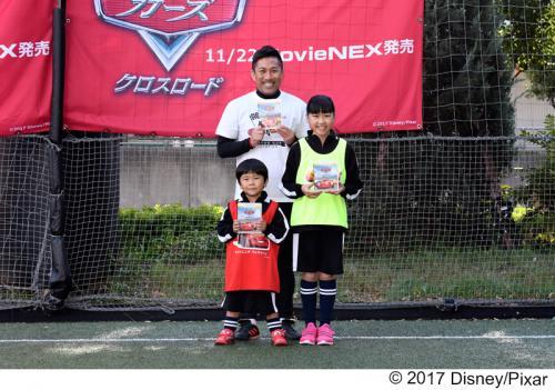 鈴木夢ちゃん&鈴木福くんがドリブルレースに大興奮! 「お兄ちゃんはいないけど頑張った」