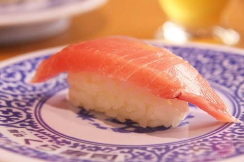 無添くら寿司『熟成 激とろ』が100円! 8月10・11・12日の3日間限定登場