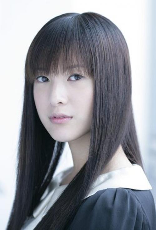 ぱっつん前髪の吉高由里子