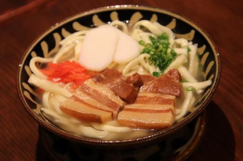 猛暑はゴーヤチャンプルに泡盛でキマリ 界隈唯一の沖縄料理屋で名物料理をいただく【舞浜ごはん道】