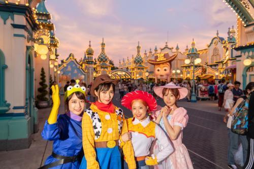 仮装でパークが楽しい・可愛い!『ディズニー・ハロウィン』(モデル:フィロソフィーのダンス)