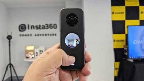Insta360がポケットサイズの360°カメラ「Insta360 ONE X2」を発表 プレビュー可能なタッチスクリーン搭載で防水対応に