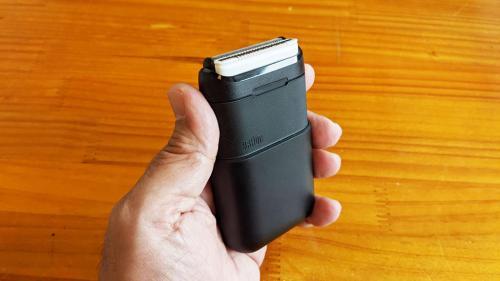 外出先でもリモートワークのお供にも使えるモバイルシェーバー ブラウンが2枚刃搭載の「BRAUN mini」を発売へ