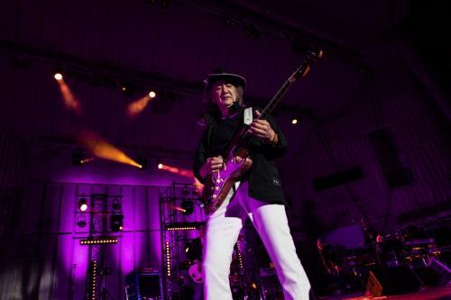 「みんな、我慢しようぜ!」 Charが45周年ライブでコロナ禍生き抜く誓い