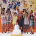 酷暑の大阪駅前が突如銀世界に!? NON STYLEの登場に沸いた『ファンタ 真夏の雪祭り』レポート