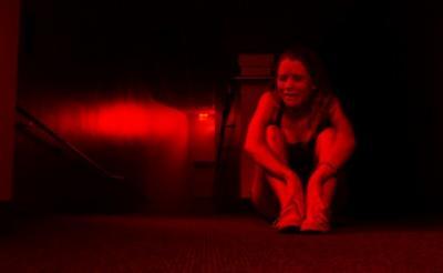 """この夏""""最怖""""のPOVが登場……呪われた学校を舞台に絶叫ホラーの幕が開く『死霊学園』"""