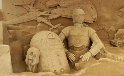 """総重量160t! 見れば見るほどそのクオリティに唸る""""砂のスター・ウォーズ""""完成"""