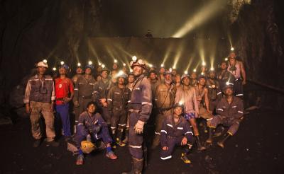 チリ鉱山落盤事故が映画化 主演A・バンデラス「マスク・オブ・ゾロは実在しないが鉱山作業員は実在するヒーローだ」